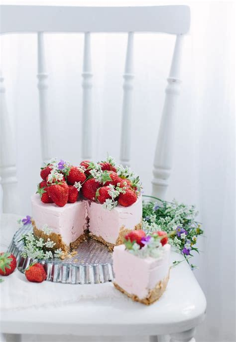 fiori bosco fiori e frutti di bosco per la wedding cake matrimonio a