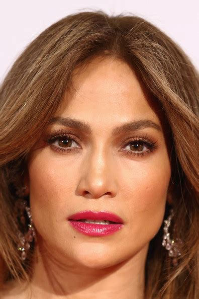 what lipgloss does jennifer lopez wear on american idol more pics of jennifer lopez berry lipstick 7 of 30