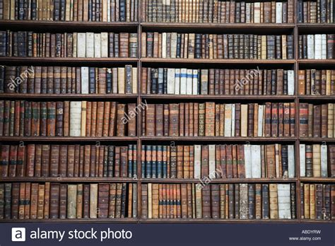 libro forgotten trinity the quot wren library cambridge quot rows of old books on book shelf quot the stock photo 12863820 alamy