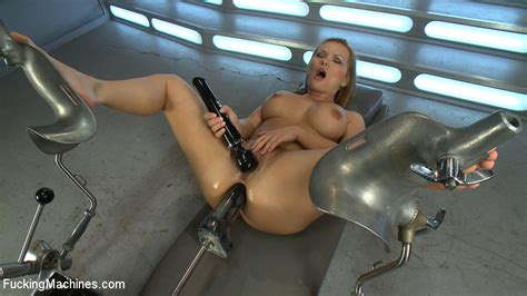 Sexy Babe Katja Kassin Gets Fucked In The Ass With The Sex Machine While She Teases Her Wet Clit