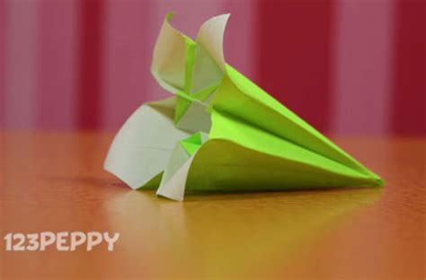 How To Make Paper Crafts - how to make a flower with color paper 123peppy
