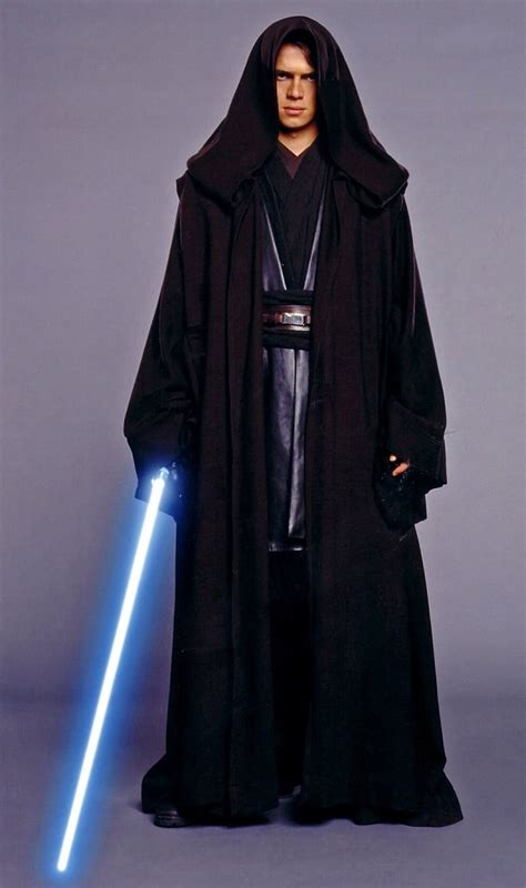 jedi robe uk she s out of this world hathaway wears metal in