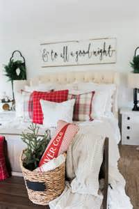 a cozy cheerful farmhouse christmas bedroom best 25 christmas bedroom decorations ideas on pinterest