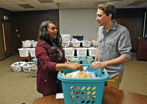 greer housing authority feeding the needy food drives lend helping hand for thanksgiving the dispatch