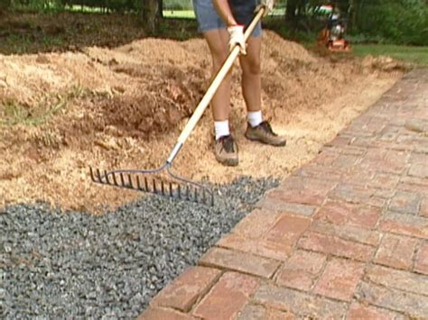 How To Build A Block Retaining Wall How Tos Diy How To Make A Garden Wall