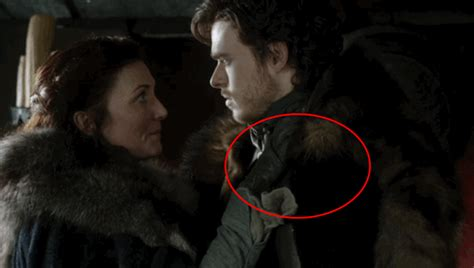 imagenes hot juego de tronos 10 mistakes you never noticed on game of thrones huffpost
