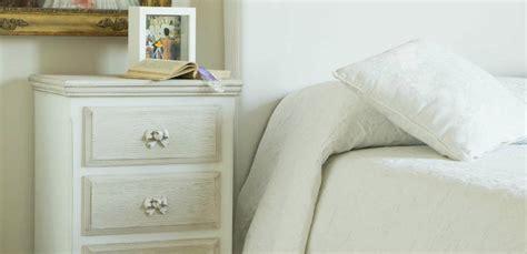 comodino bianco dalani comodino bianco tavolino per la da letto