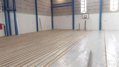 riscaldamento pavimento parquet nuovo parquet sportivo con l impianto di riscaldamento a