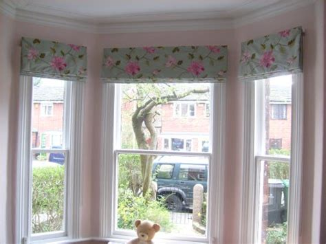 curtain window bay window curtain ideas that work perfectly and look great