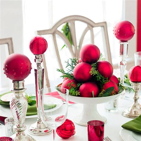 pics of christmas decorations 40 christmas decoration ideas in all shades of red digsdigs