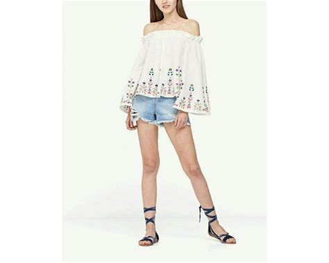 Ip22536 Fashion Sabrina Kotak baju korea sabrina low flower putih