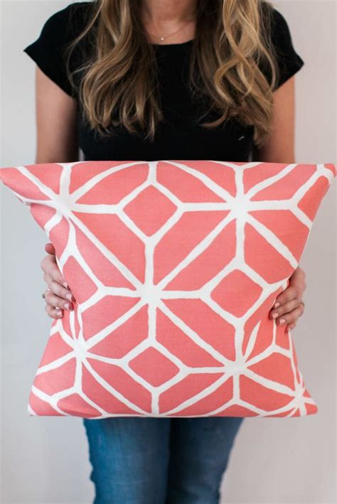 sewing throw pillows best 25 sewing throw pillows ideas only on