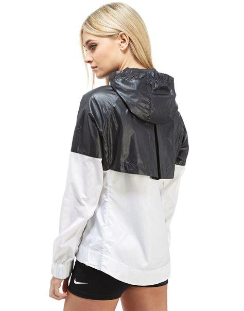 Jaket Nike Parasut Windrunner Black nike windrunner jacket in black lyst