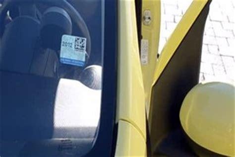 Kinder Auto Vorne Sitzen Sterreich by So Bringen Sie Die 214 Sterreich Vignette Richtig An Der