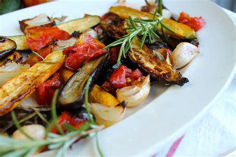Legumes Grilles Au Four by L 233 Gumes Grill 233 S Au Romarin Aime Mange