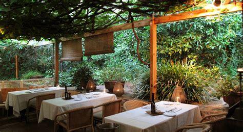 restaurante con jardin barcelona las mejores terrazas de barcelona para tomar algo en verano