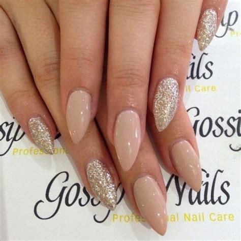 Nagels Design nageldesign sommer diskrete nagellackfarben als