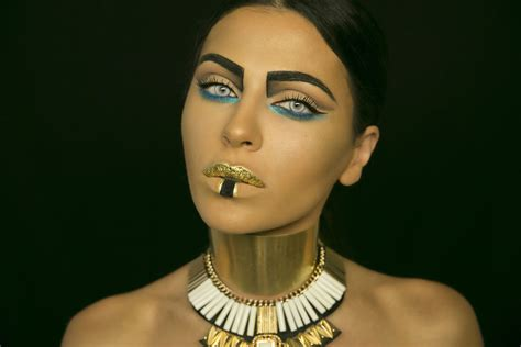 Or Look Cleopatra Makeup Look Tutorial Umakeup