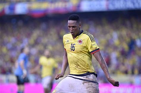 yerry mina barcelona agree 9 million deal to sign colombian defender