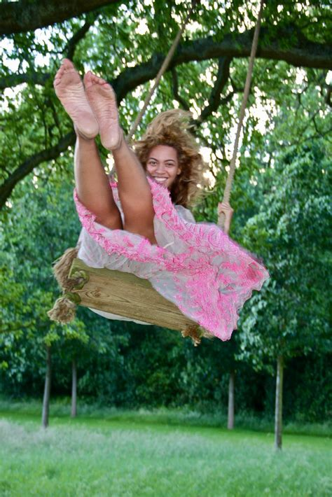 beyonce swing rare moments beyonce s dirty feet soles m p blog