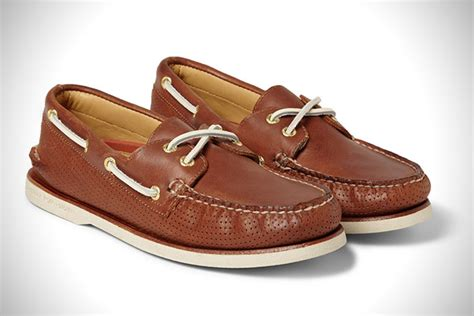 best boat shoes for the money out to sea 20 best boat shoes for men hiconsumption