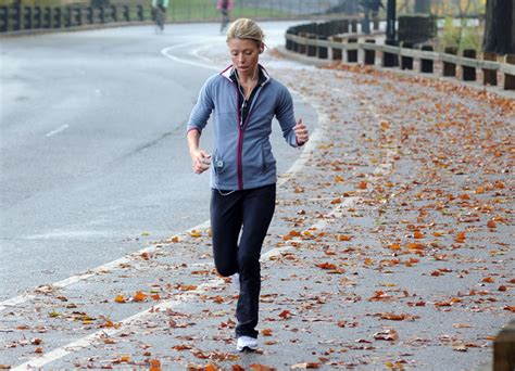 kelly ripa daily routine kelly ripa jogs in central park pictures zimbio