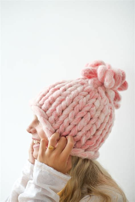 big knit big loop knitted hat tutorial