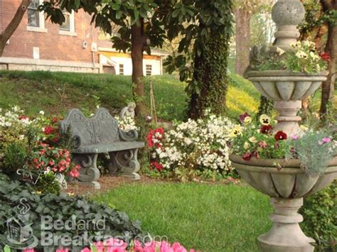 dog burial backyard pet burial in backyard 78 ideas about memorial gardens on
