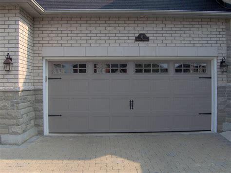 Chi Overhead Garage Doors Chi Door C H I Overhead Doors Model 5916 Panel In White With Stockton Glass Call Us