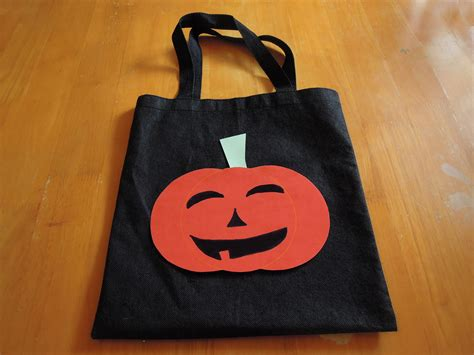 Wyldes Bag Of Tricks Treat Purse by How To Make A Trick Or Treat Bag 6 Steps