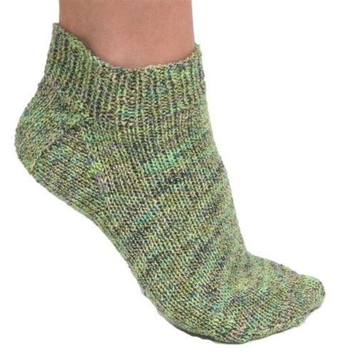 free knitting pattern socks dk follow this free knit pattern to create sockies using mary