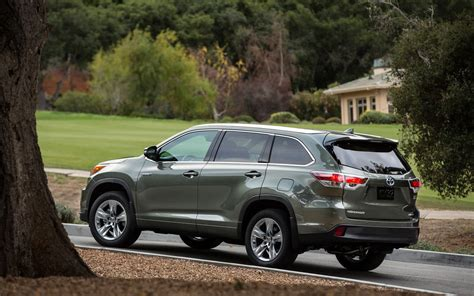 Haval Car Wallpaper Hd by Toyota Highlander 2016 Wallpapers Hd High Resolution