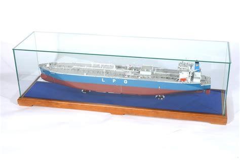 model boat glass cases model ship plinth and display case in london