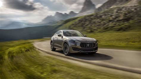 maserati levante wallpaper 2018 maserati levante s q4 granlusso 4k 2 wallpaper hd