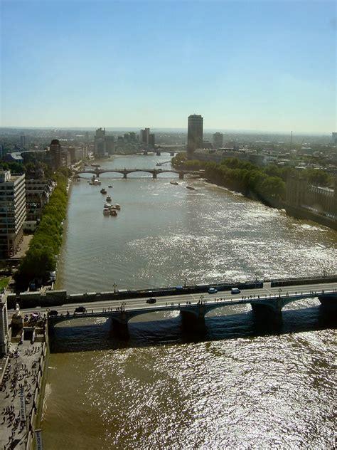 Thames Up River | the london eye 8 september 2004