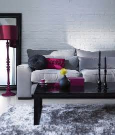 Galerry design ideas for living room with gray couch