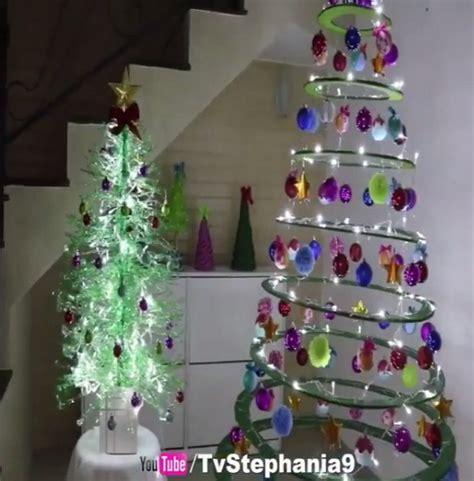 membuat pohon natal dari barang bekas uniknya pohon natal dari botol plastik okezone lifestyle