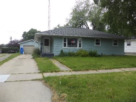 houses for sale watertown wi 1204 s 9th st watertown wi 53094 reo home details foreclosure homes free