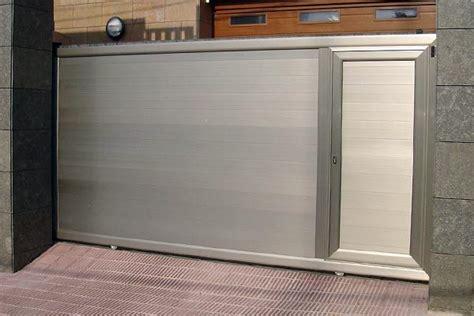cocheras levadizas foto puerta corredera de aluminio de tecnipuertas 204516