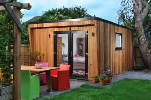 En suite bedroom for teenager contemporary garden rooms
