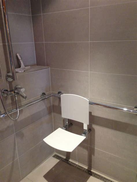 Behindertengerechte Badezimmerarmaturen by Die Besten 25 Behindertengerechtes Bad Ideen Auf