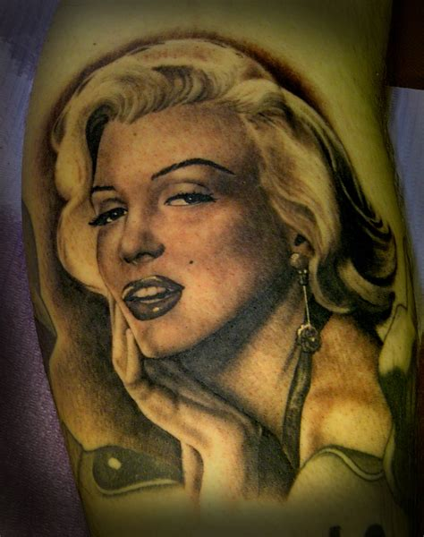 pin up girls tattoos marilyn pin up tim hendricks the