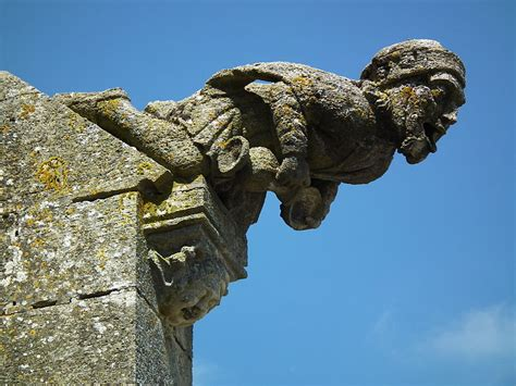 Gargoyle L Post by 40 Gargoyles And Grotesques Around The World 171 Twistedsifter