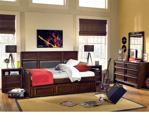 daybed bedroom sets dreamfurniture com benchmark upholstered panel daybed