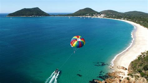 speed boat nelson bay parasailing tandem flight over port stephens for 2