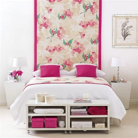 how to decorate a bedroom with white walls una habitaci 243 n rosa y blanca