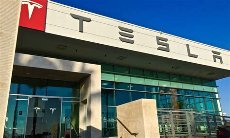 Tesla Mo Court Says Tesla Can Reopen Missouri Stores During Appeals