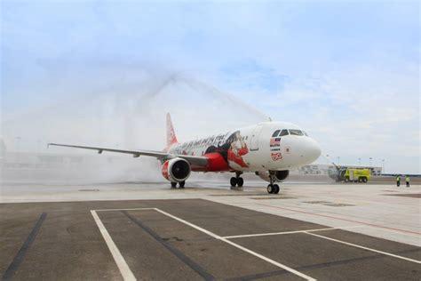 airasia update airasia flight 8501 plane crash update families accepts
