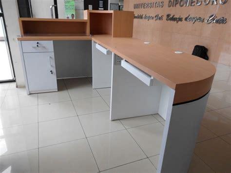 Meja Komputer Beroda jual meja resepsionis 2 tingkat dengan 2 meja keyboard beroda semarang semarang furniture