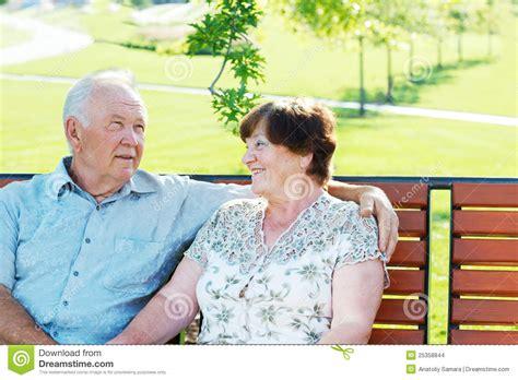Imagenes De Abuelos Alegres   abuelos alegres imagenes de archivo imagen 25358844